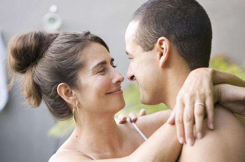 Réussir sa relation avec une femme cougar- nos conseils