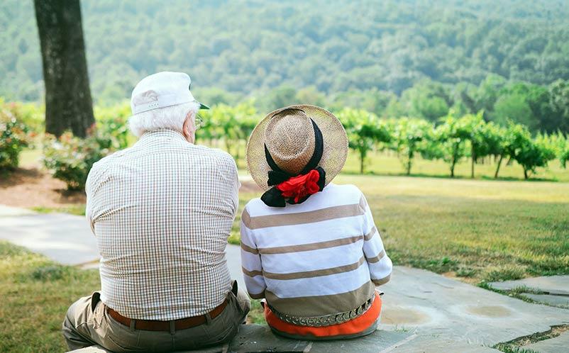 Des seniors trouvent l'Amour sur Internet
